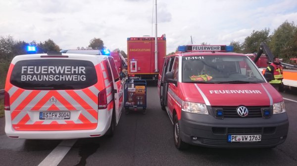 Einsatzleitwagen der BF Braunschweig & Feuerwehr Vechelde-Wahle